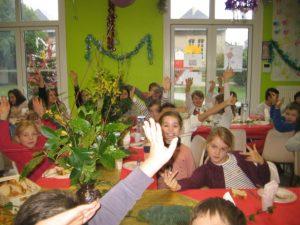 IMG 5497 300x225 Les photos du repas de Noël de lécole