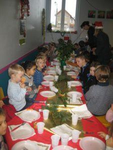 IMG 5503 e1513875163421 225x300 Les photos du repas de Noël de lécole