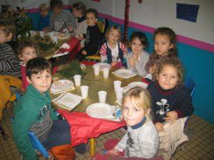 IMG 5508 300x225 Les photos du repas de Noël de lécole