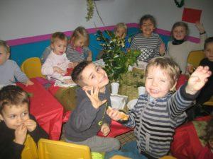 IMG 5509 300x225 Les photos du repas de Noël de lécole