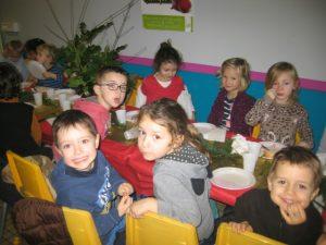 IMG 5510 300x225 Les photos du repas de Noël de lécole