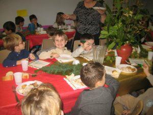 IMG 5512 300x225 Les photos du repas de Noël de lécole