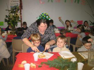 IMG 5513 300x225 Les photos du repas de Noël de lécole