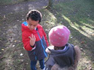 IMG 6512 300x225 Collecte de feuilles au Parc Verdun