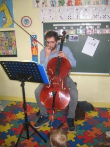violon et violoncelle 8 e1554134081396 225x300 concert dans la classe !!!