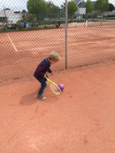 IMG 6324 1 e1557395932997 225x300 Le tennis avec Pascal