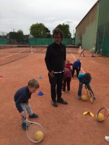IMG 6343 e1557395682589 225x300 Le tennis avec Pascal
